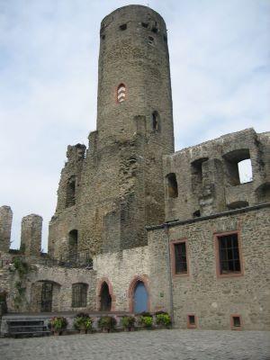 Außenansicht der Burg Eppstein